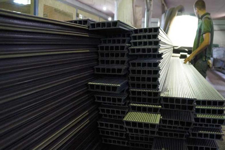 Производство террасной доски (декинга) из древесно-полимерного композита (ДПК) в